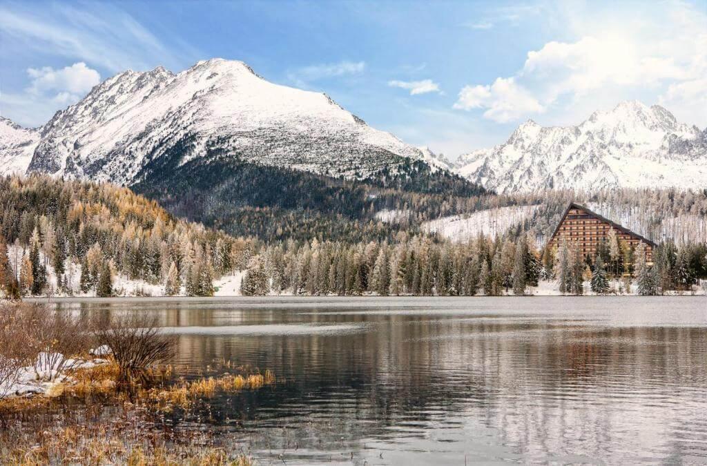 מלון Patria על שפת האגם